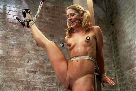 bikini humilliation jpg 1014x675
