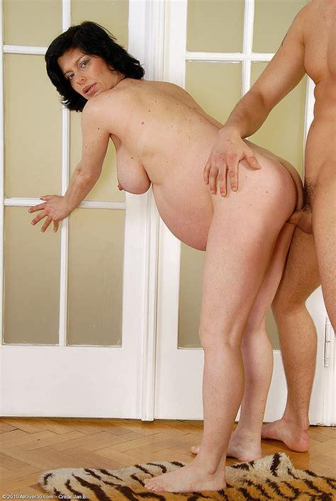 Large hd tube free porn pregnant hd videos jpg 535x799